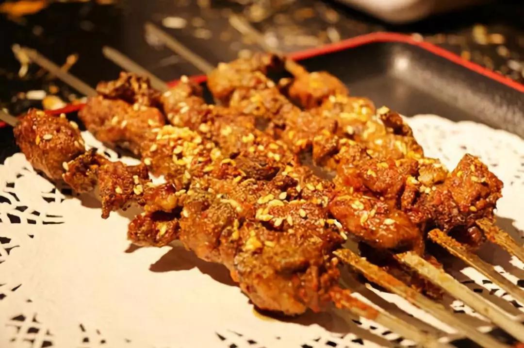 """""""火锅大佬""""海底捞跨界做烧烤外卖, 将在美团、饿了么上线"""